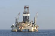 iStock_off-shore oil000012967567Medium